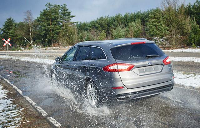 Ford: Nuovo sistema anti-buche